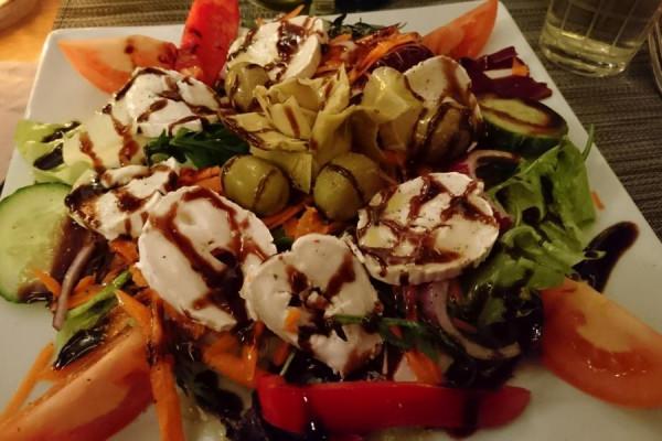 salat1EC2BD016-7A39-04FF-E8B7-2257706FBCCE.jpg
