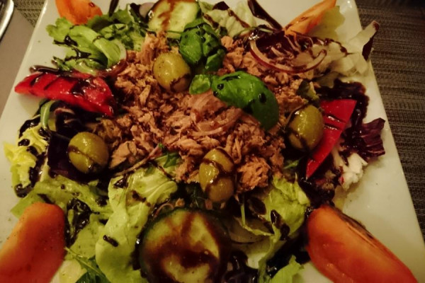 salat2FF0BA9A5-8193-8633-A144-F9626946E2E1.jpg
